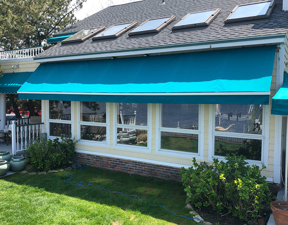 berges-awning-windows-and-porch-awnings-04
